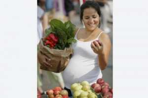 pregnant-food-mom.jpg