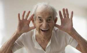 Old-person-laughing-434760.jpg