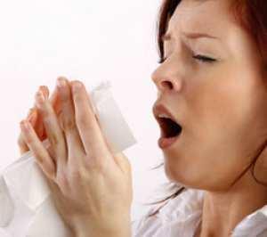 Sneezing-woman.jpg
