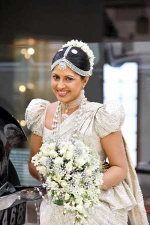 sri-lanka-wedding-bridal-dressing.jpg